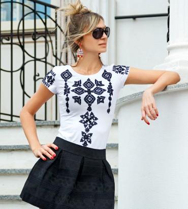 Одежда футболка белая Соломия