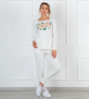 Одежда белый спортивный костюм Мирра