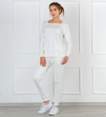Одежда белый  спортивный костюм женский Мишель