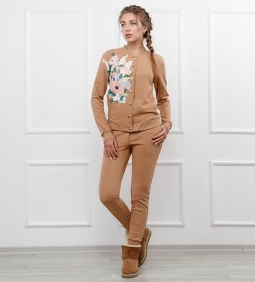 Одежда бежевый спортивный костюм Юлиана
