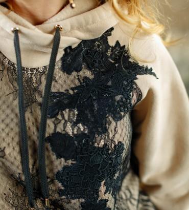 Платье худи женские с гипюром бежевого цвета 2