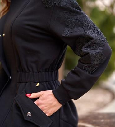 Женский жакет черного цвета с кружевами 2
