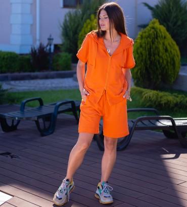 Одежда спортивный костюм с шортами оранжевого цвета Ленория lounge