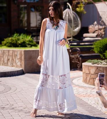 Длинное платье молочного цвета с гипюровыми вставками Санторини