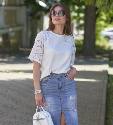 Женская футболка белого цвета с аппликацией из кружева Эмилия