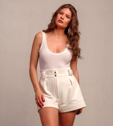 Женские шорты белые с карманами