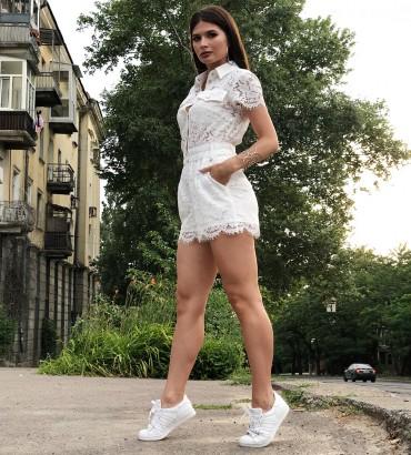 Белый гипюровый женский комбинезон Нетта