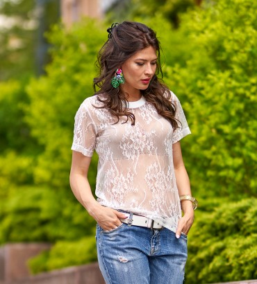 Гипюровая футболка белого цвета Джулия